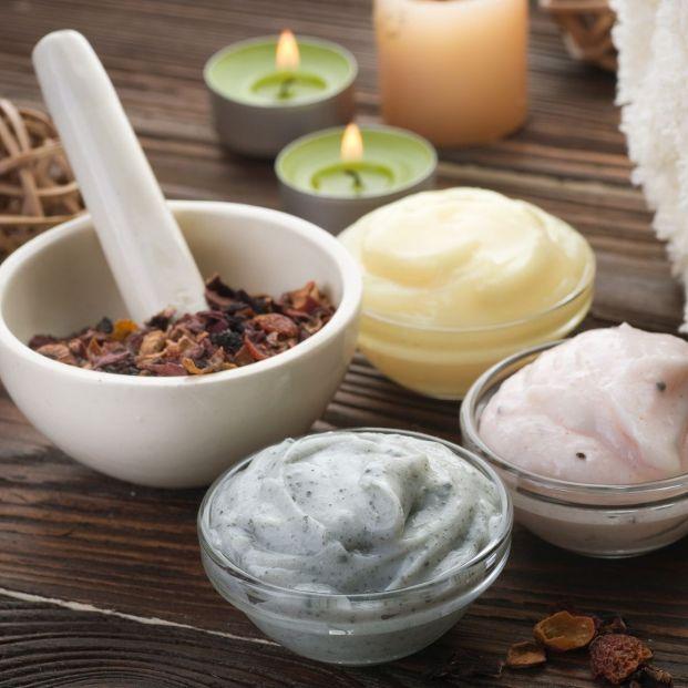 Productos de cosmética natural (Bigstock)