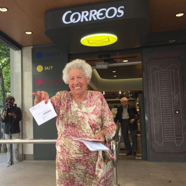 """Charito, la candidata a la alcaldía más longeva: """"Ya me gustaría ser como Carmena"""""""