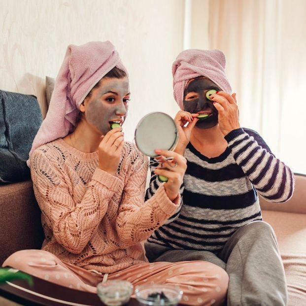Las mascarillas de arcilla proporcionan numerosos beneficios a la piel (Bigstock)