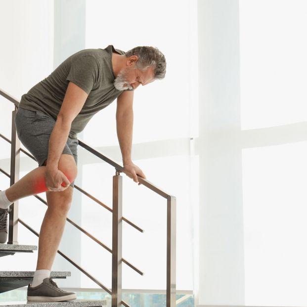 ¿Cuándo caminas te duelen las piernas? Puedes tener el síndrome del escaparate