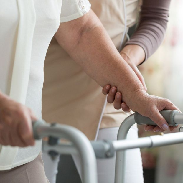 Fisioterapia neurológica para tratar el Parkinson (Bigstock)