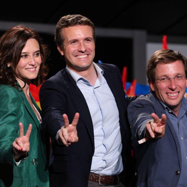 Isabel Díaz Ayuso Pablo Casado y José Luis Martínez Almeida tras conocer los buenos resultados obtenidos por su partido en las elecciones municipales