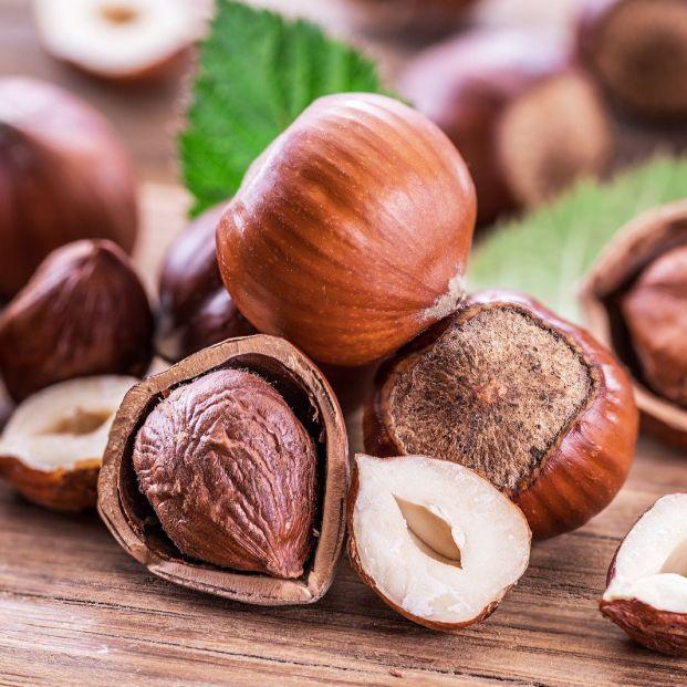 precauciones con alimentos duros si llevas dentadura postiza Frutos secos